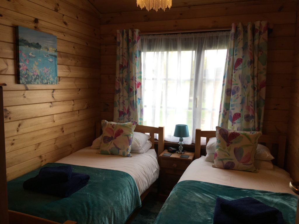 Willow Lodge Twin Bedroom